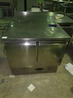 Холодильный стол Tefcold SA910 БУ